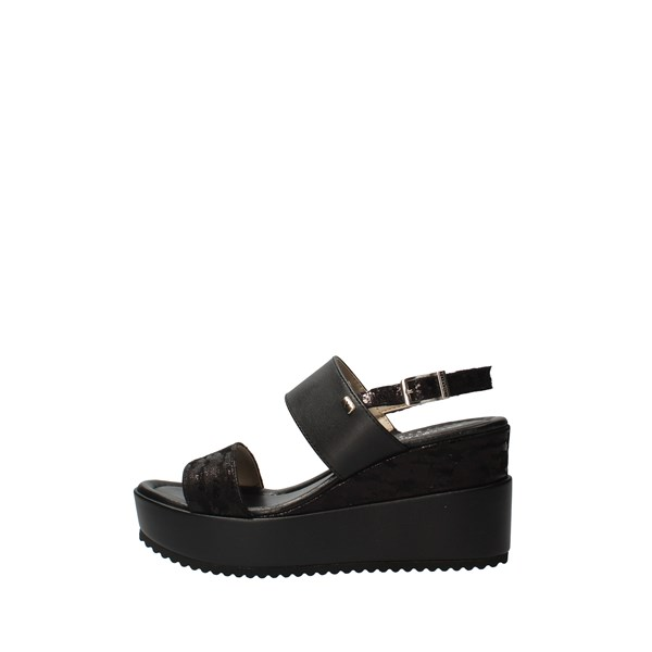 VALLEVERDE With wedge Black