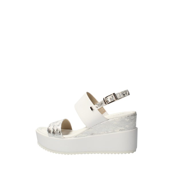 VALLEVERDE With wedge White
